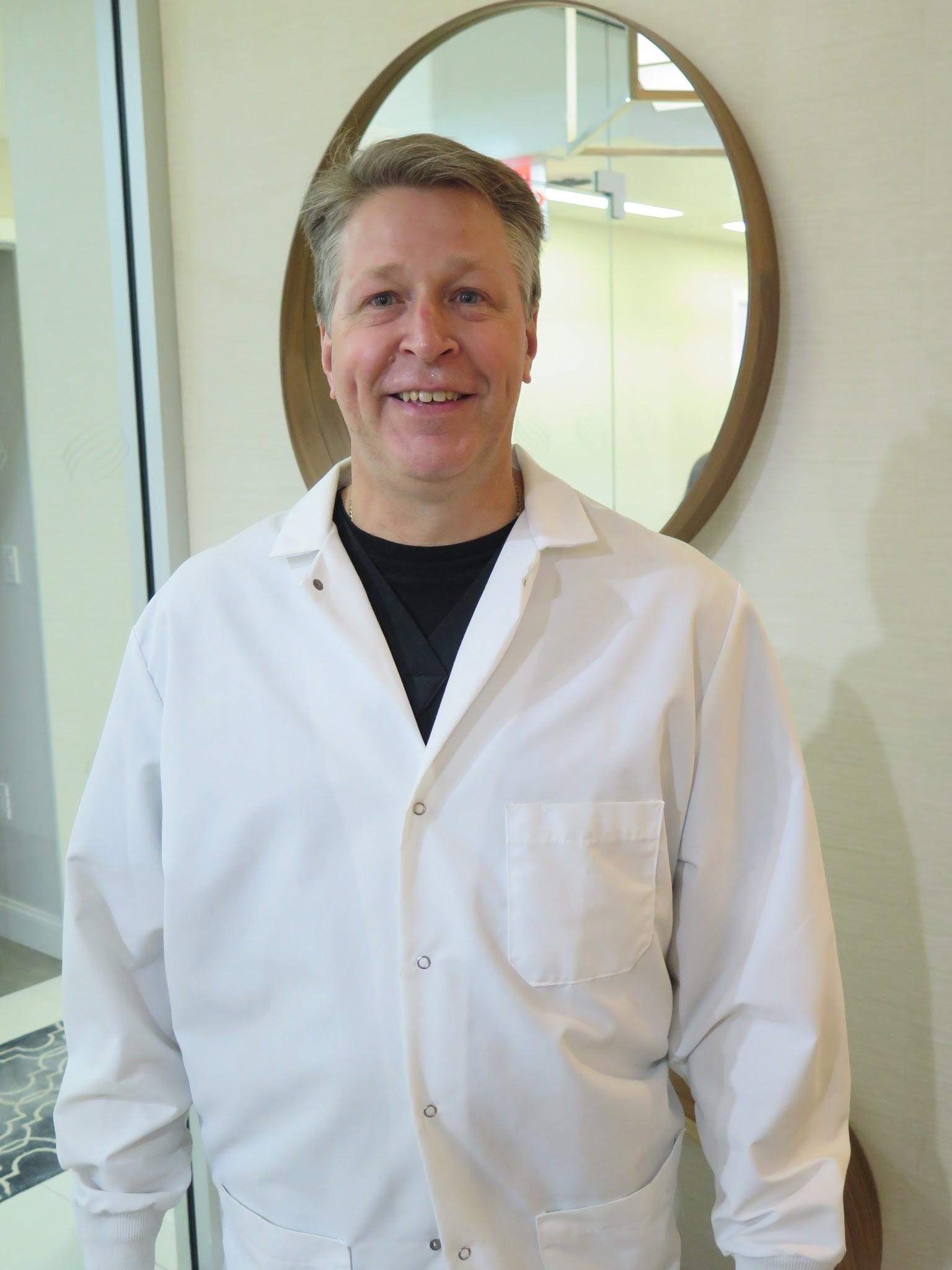 Dr. Michael Kelley, D.D.S.